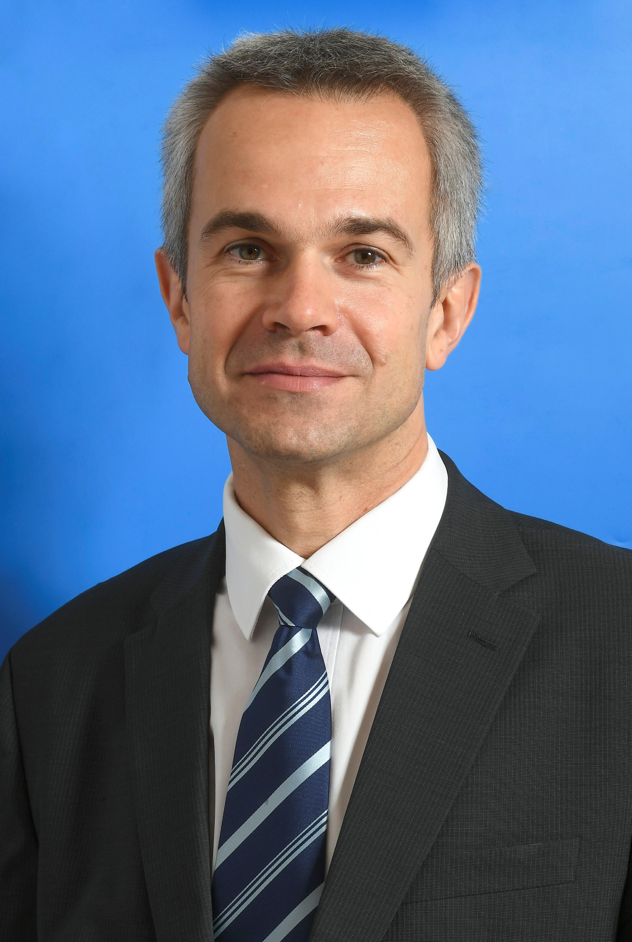 Ollé János