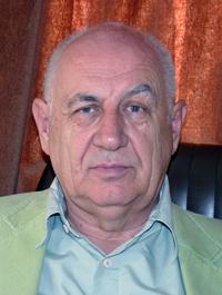 Korinek László