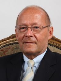 Somlyódy László